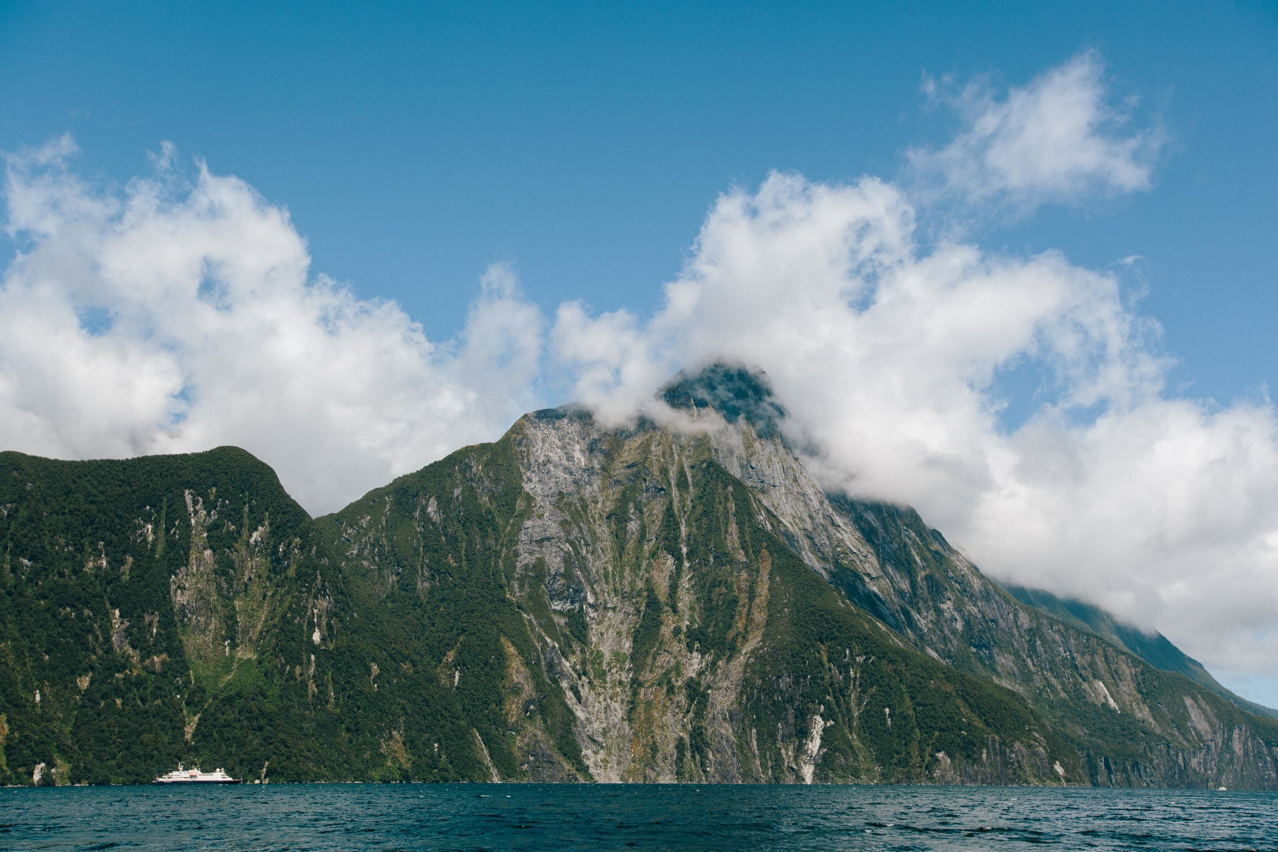 Boat-Milford Sound-New Zealand-.jpg