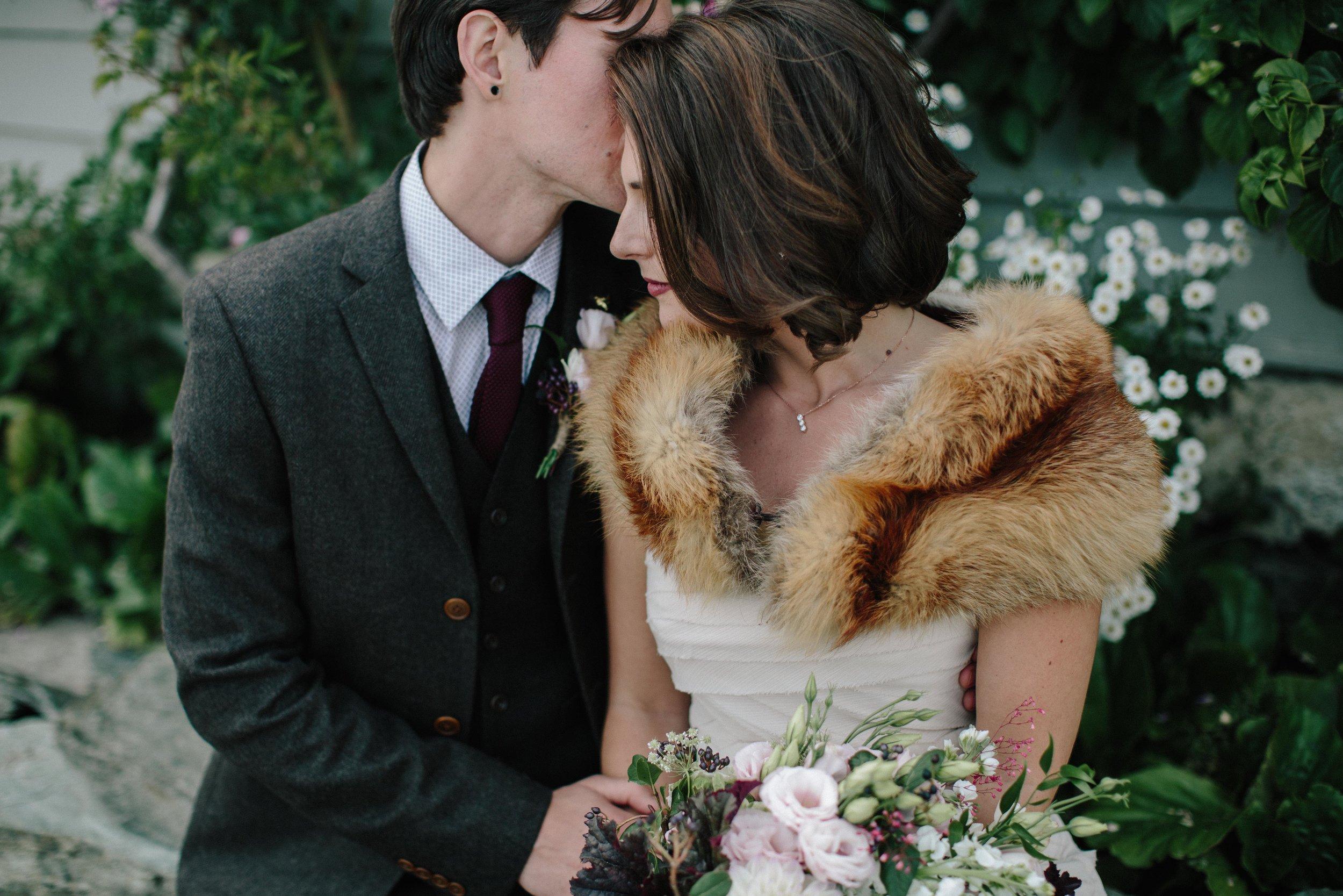 Romantic-Bride-Groom-Inspiration.jpg