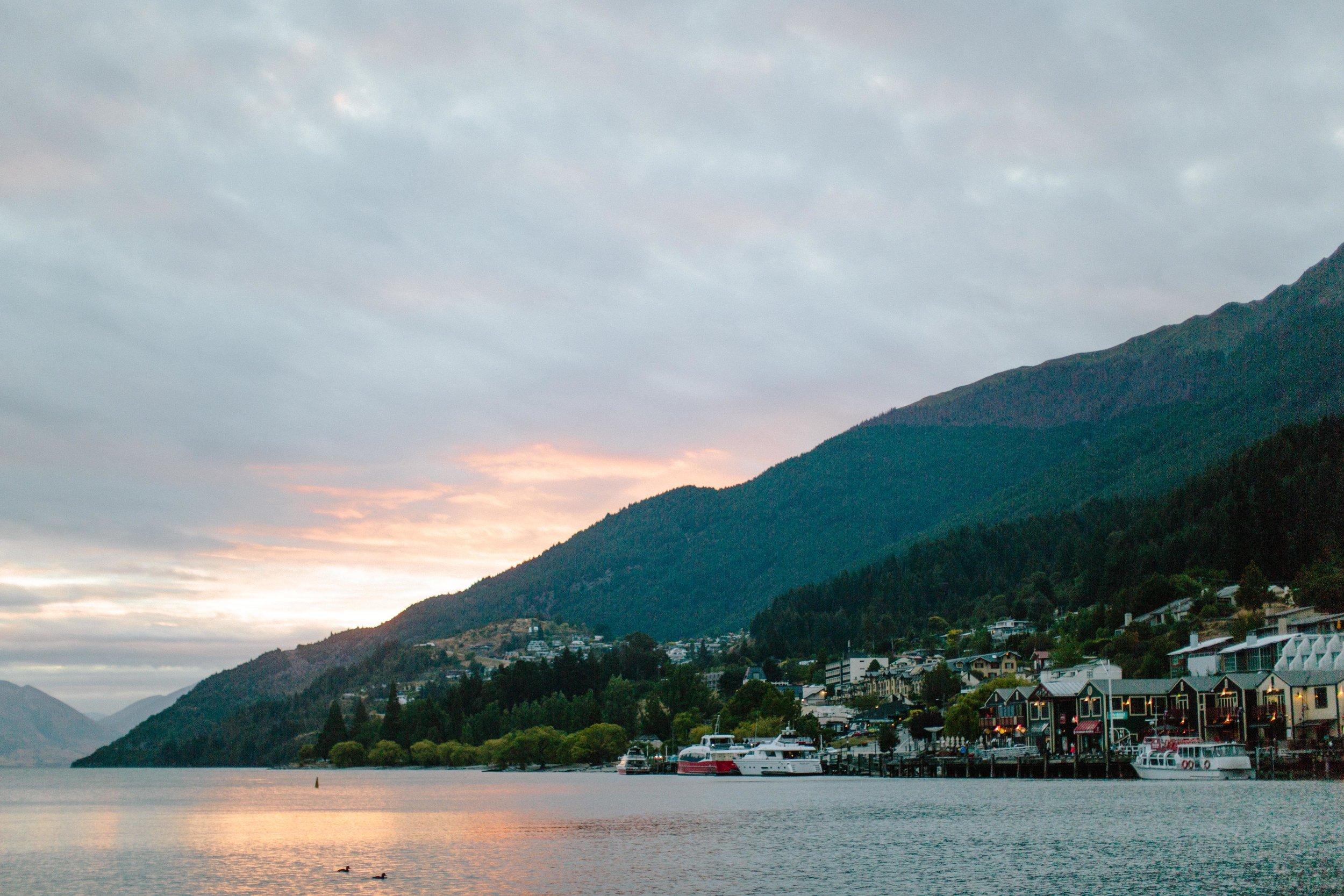 Sunset-Queenstown-Lake Wakatipu.jpg