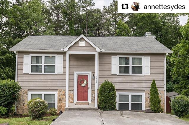 #Repost @annettesydes ・・・ NEW LISTING ALERT!!! 1613 Silver Birch Court, 37931 just hit the market today and it's HOT!! 🔥 It's super cute, well maintained, and move in ready!! 3BR, 2 BA, Open Floor Plan, Upper and Lower Level Decking, Basement Rec Room, Fenced/Wooded Backyard, AND THE LOCATION IS AMAZING!! Listed at $170,000! It won't last long! Schedule your showing today!! Contact me, @annettesydes for more info: C: 865-441-0891 O: 865-947-9000 @baileycorealestate  #newlisting #listing #openfloorplan #moveinready #realestate #realtor #knoxvillerealestate #knoxvillerealtor #knoxvilletn #knoxville #lovemycareer #blessed #ilovelocalknoxville 📸 @juicebeats1