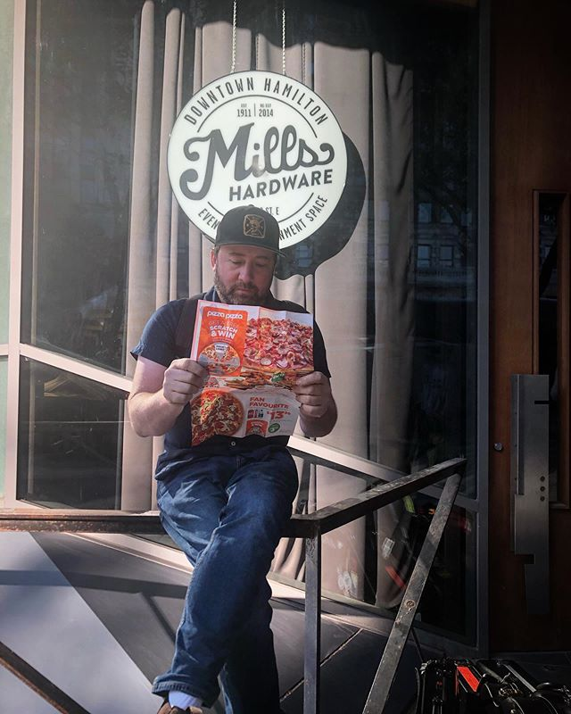 """@murphmurphyy reading the latest """"Pizza News"""" preparing for a pizza party after the show at @millshardware tonight!  Doors at 7, Famous & Betty opening the show.  See ya tonight.  #thestanfields #hamont #breakersinthedark #pizzaparty"""