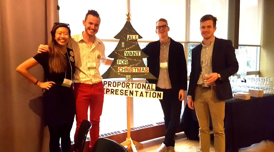 Cherie Wong, Ian Soutar, Jesse Langelier, William Gagnon: Les conseillers du JVC àl'assemblée de Calgary.