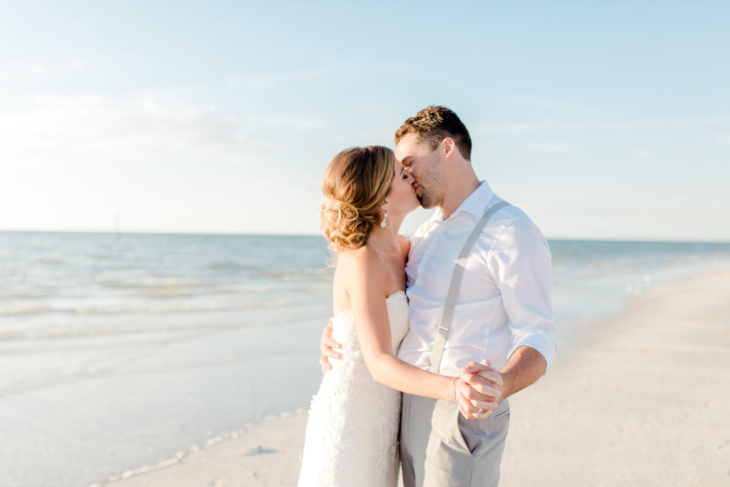 Erin-Jared-clearwater-beach-wedding-portraits-I58A5896.jpg