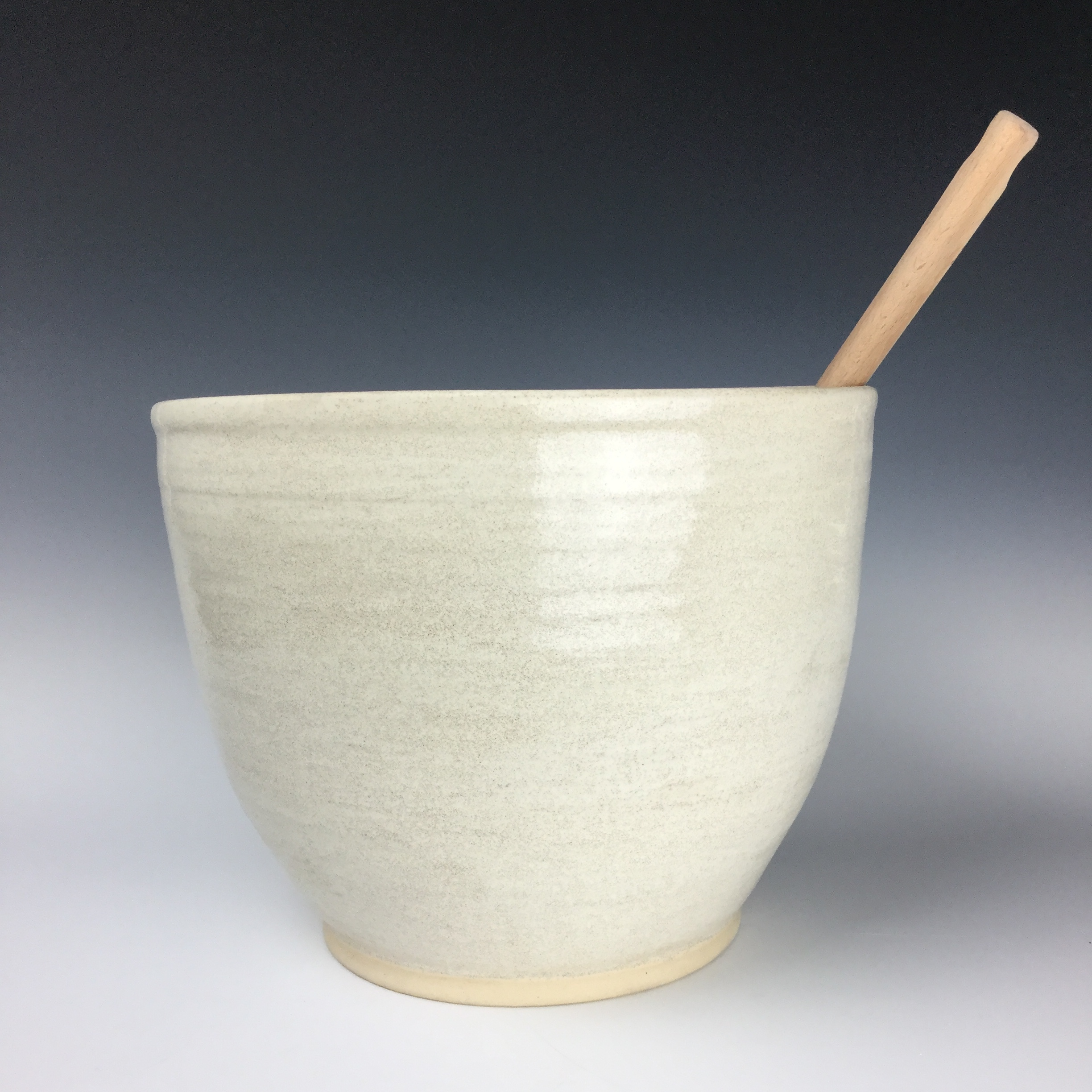 Wht Bowl w:handle side view.JPG