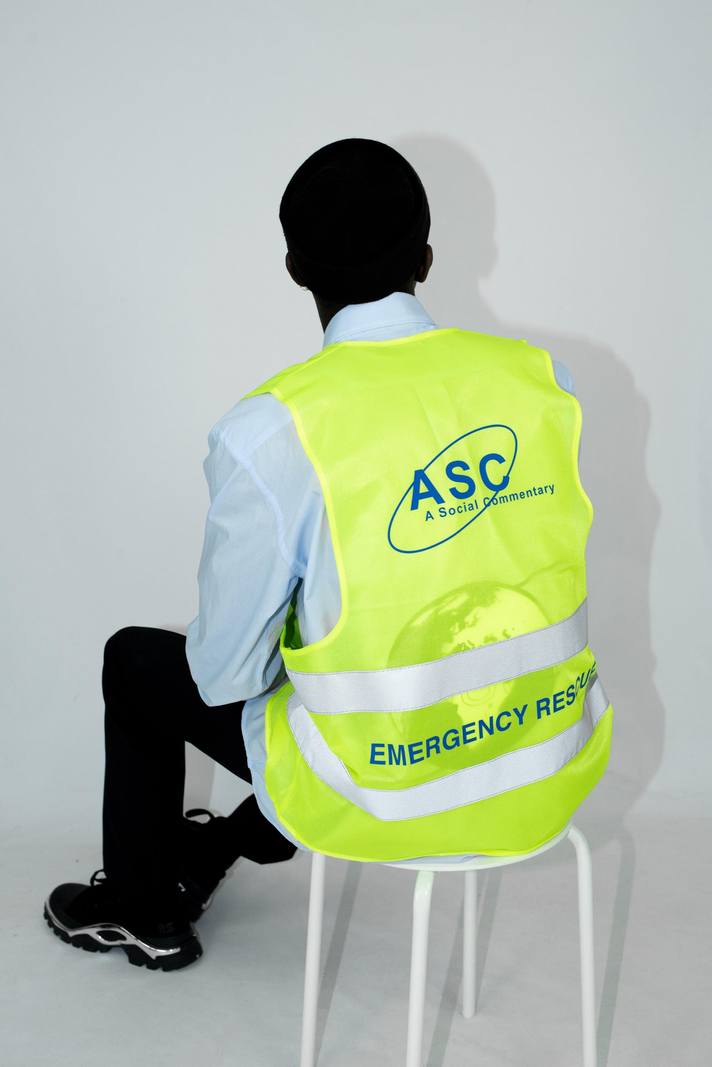 Trademarket ™️ - Vest - Emergency Rescue Vest Look 1.jpg