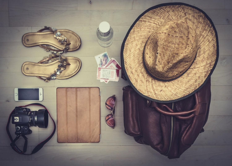 negative-space-summer-beach-essentials-thomas-martinsen.jpg