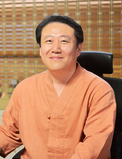 Dr. Cheol-Wha, Jho