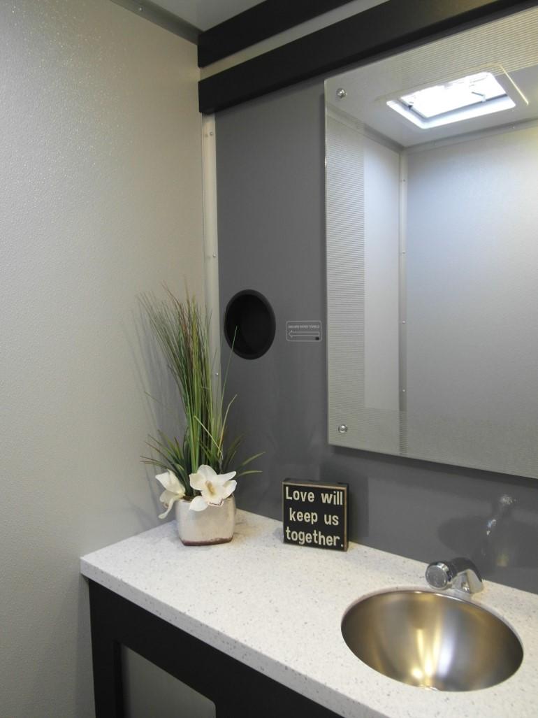 PLP4 Urban Stall 3 Sink.jpg
