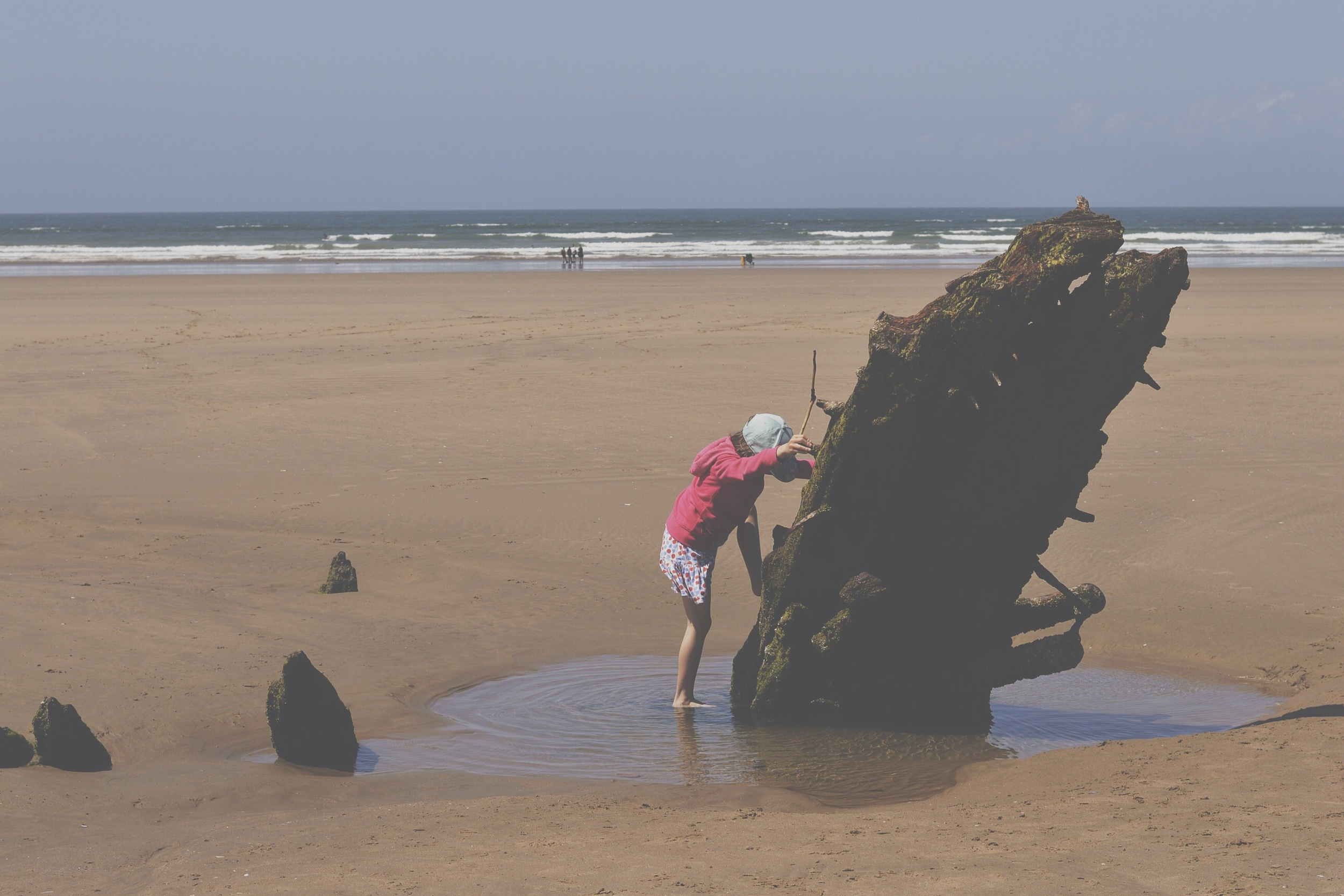 Did I mention there's an old shipwreck to look at. (*For look atread play on)