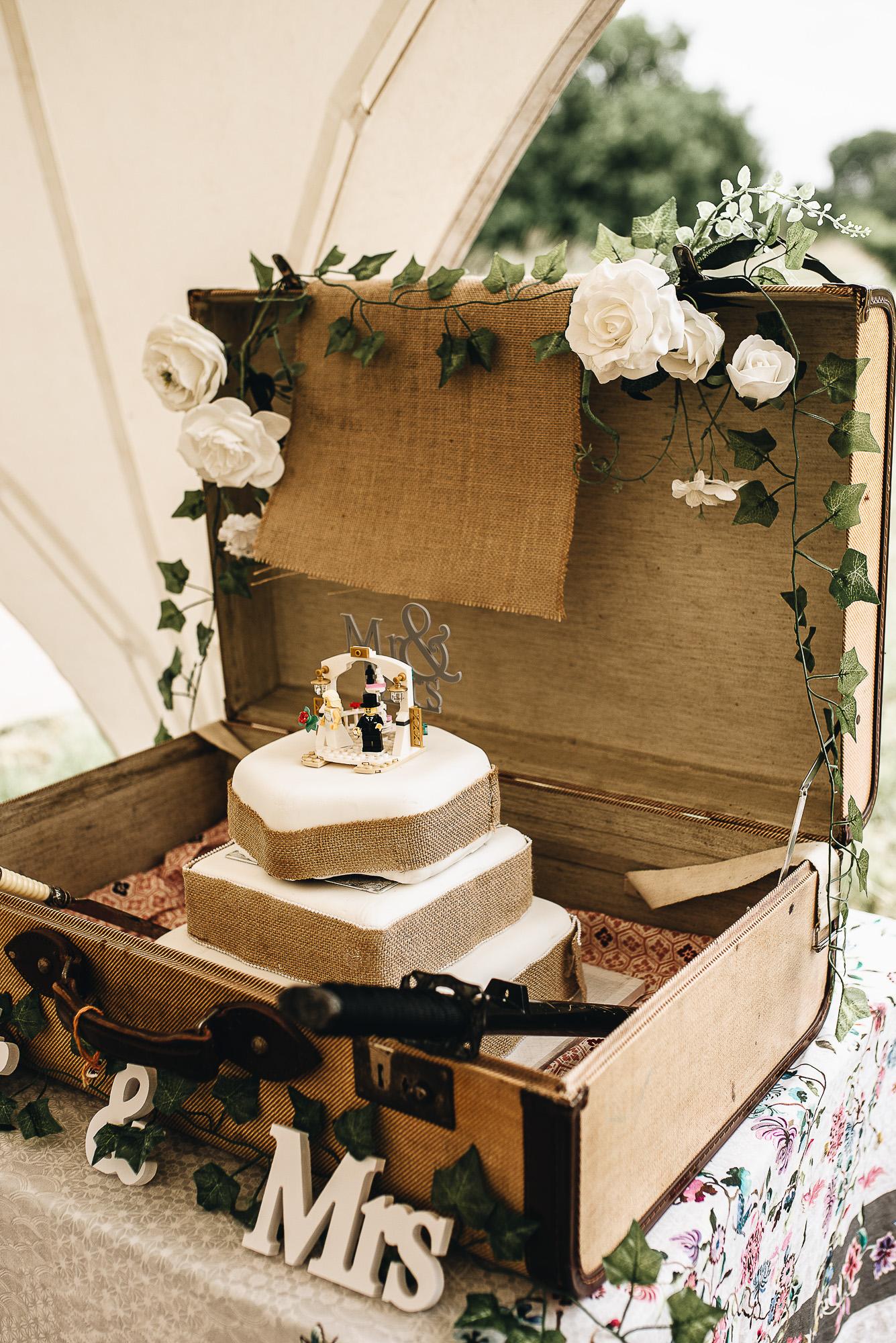 OurBeautifulAdventure-CardiffCastleWedding-Maddie&Joe-WeddingBlog-2483.jpg