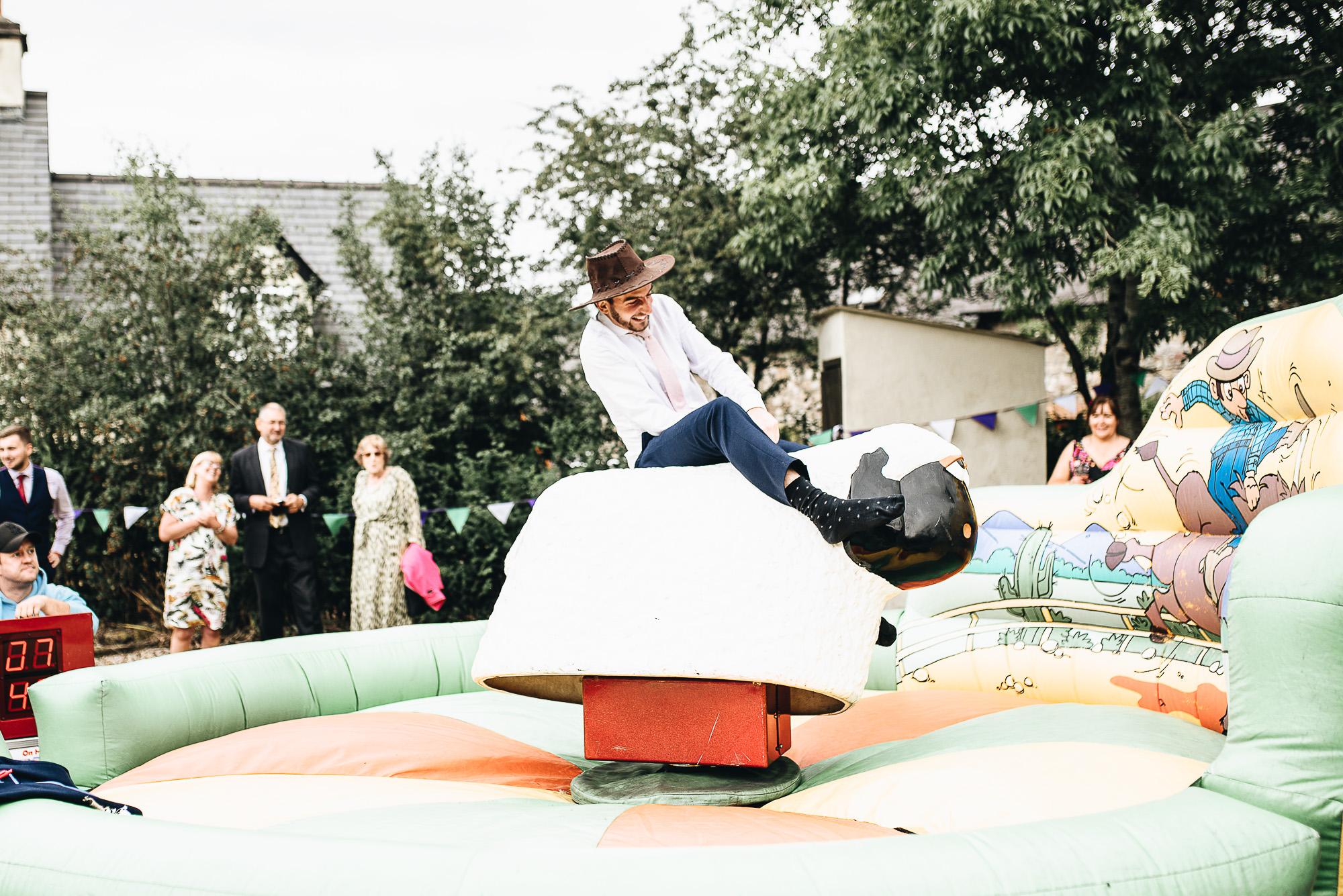 OurBeautifulAdventure-CardiffCastleWedding-Maddie&Joe-WeddingBlog-2515.jpg