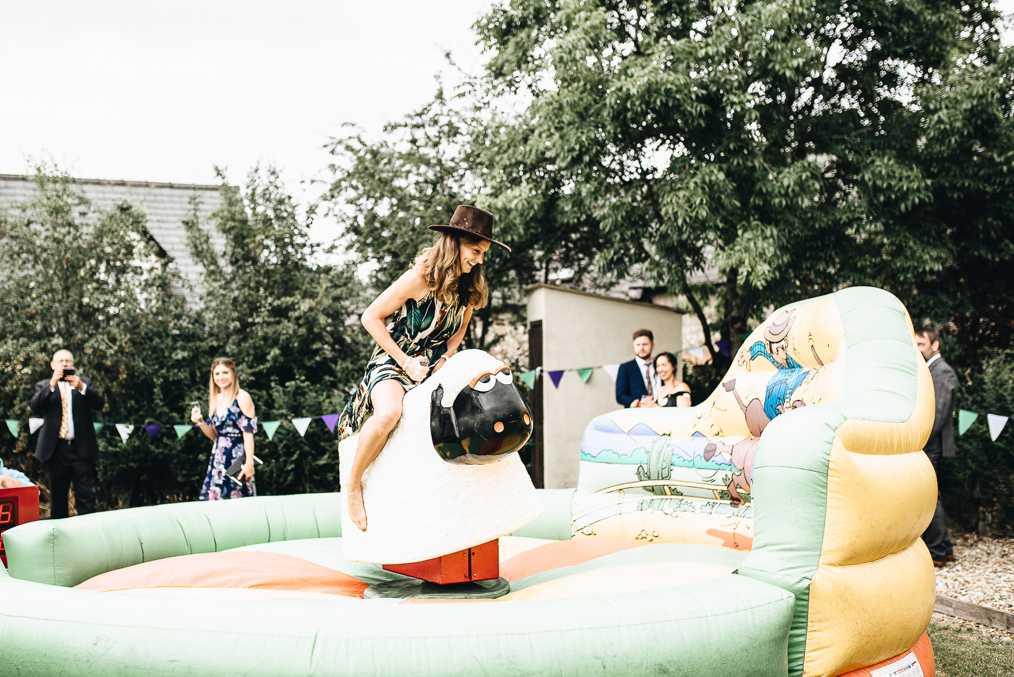 OurBeautifulAdventure-CardiffCastleWedding-Maddie&Joe-WeddingBlog-2551.jpg