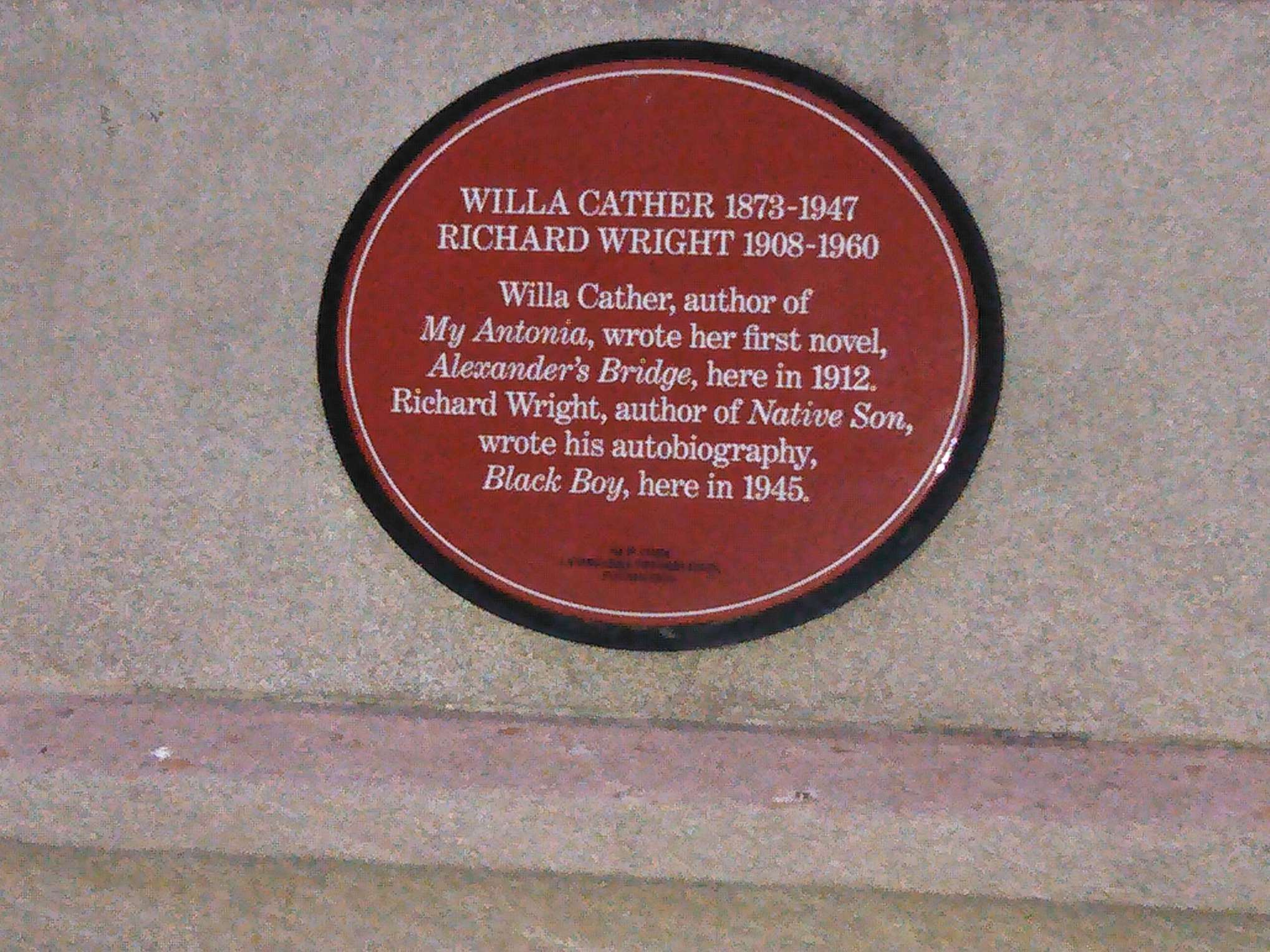 Plaque outside 82 Washington Place