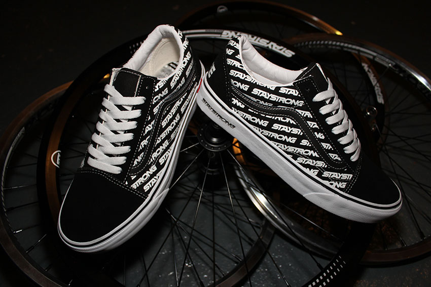 """VANS x Stay strong """"for life"""" old skool2"""