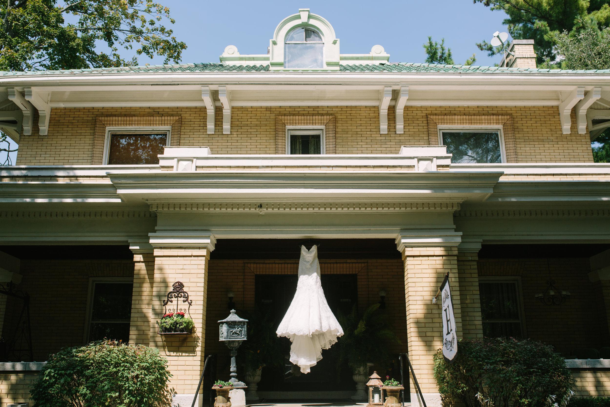 favorites.dayton.ohio.louisville.kentucky.garden.wedding.gardens.of.ray.eden-20.jpg