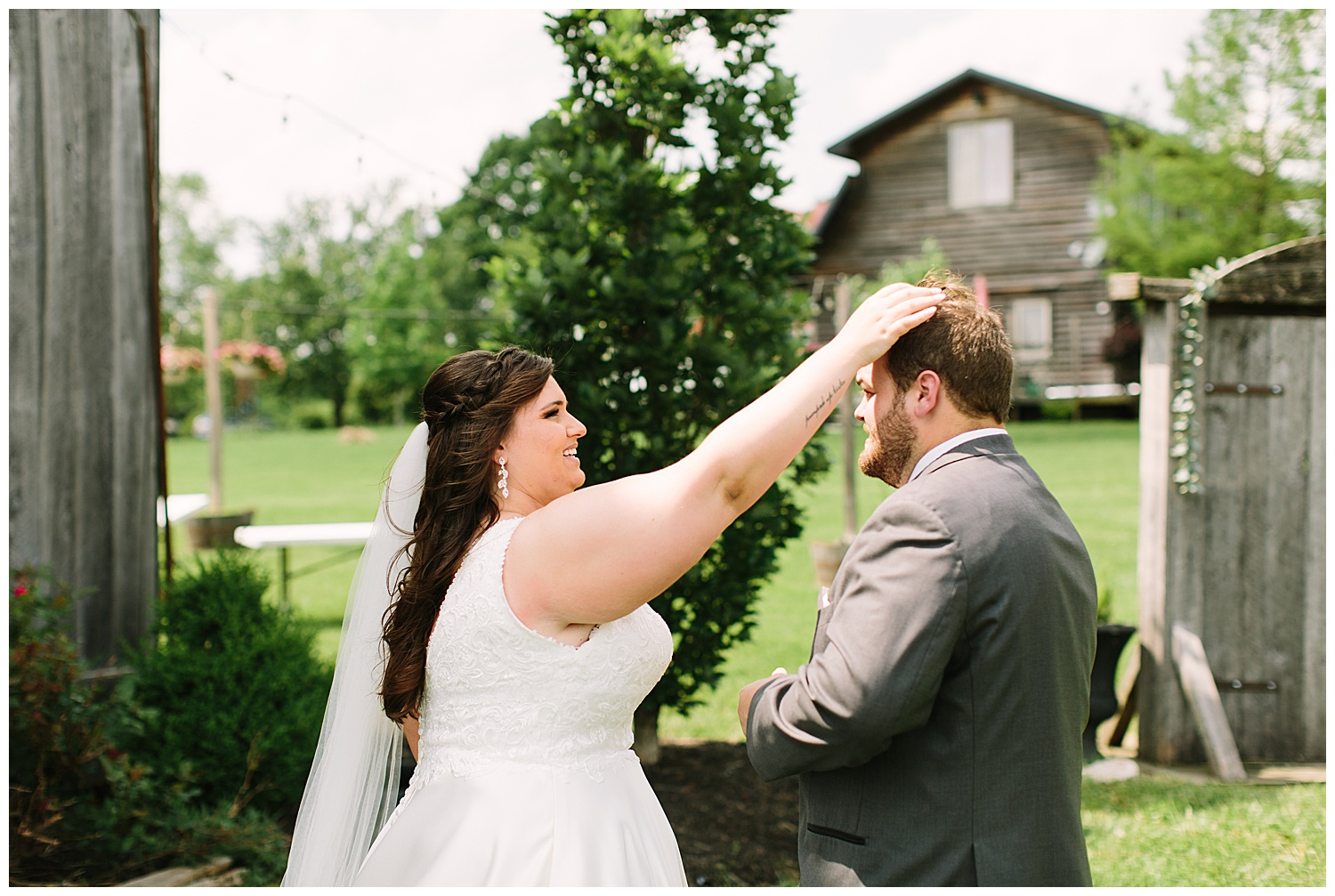 trent.and.kendra.photography.eden.springs.farmstead.shelbyville.wedding-31.jpg