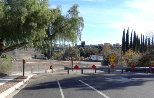 The east end of Gainsborough Road has an access point to the Conejo Creek Bike Path