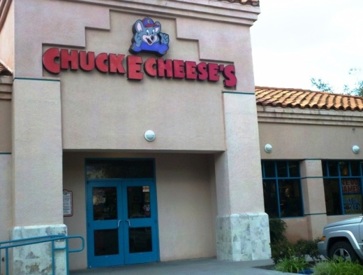 Chuck E. Cheese's Thousand Oaks location front entry