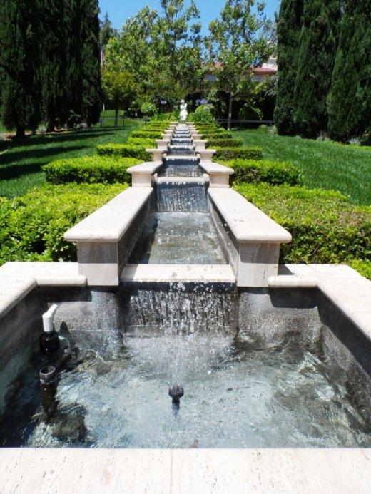 Italian Chain Fountain