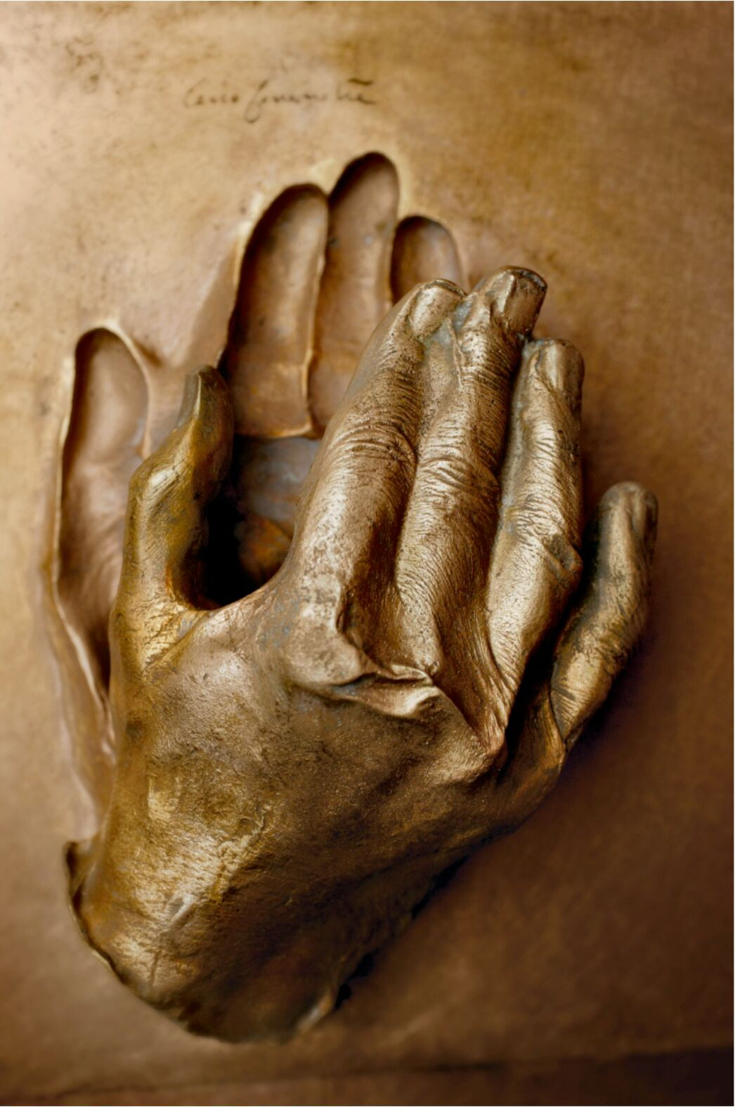 Cast of the Hand of Blessed John Paul II, Pope(Photo copyright 2015 © Città del Vaticano)