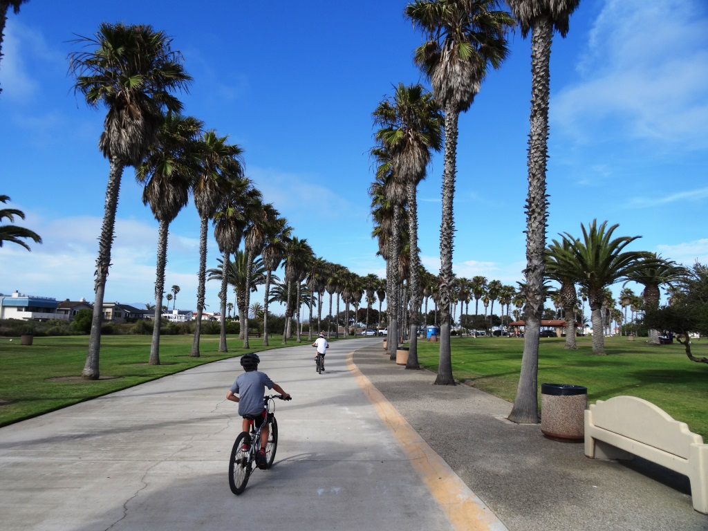 There's a loop you can do around Oxnard Beach Park