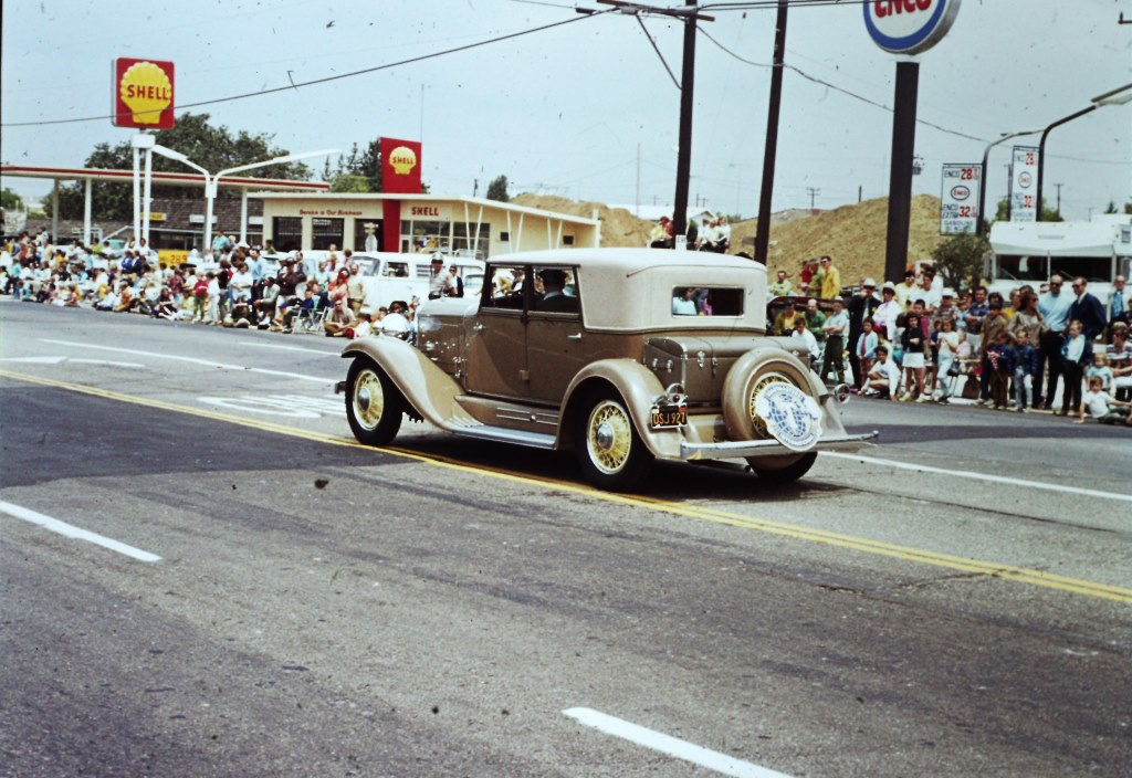 Conejo Valley Days Parade 1970 at intersection of Thousand Oaks Blvd and Rancho Road.