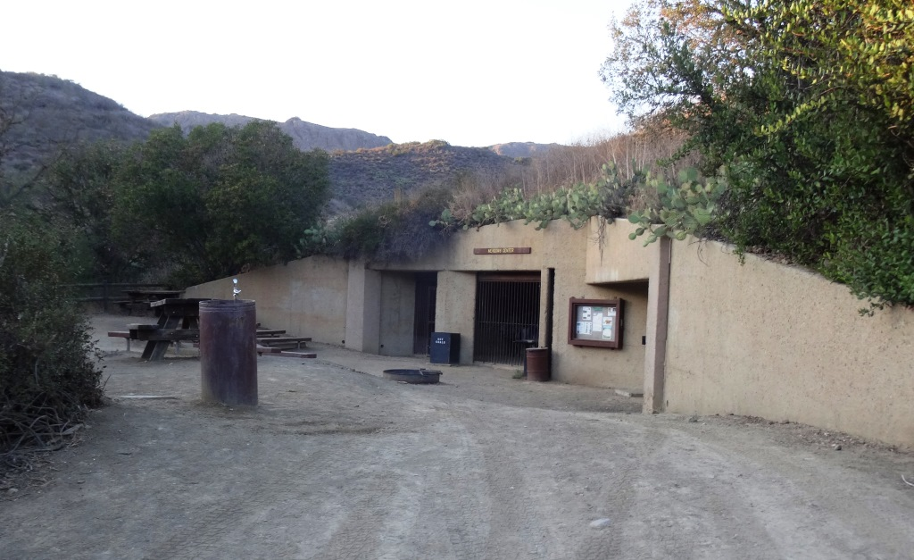 The Meadows Center next to the bridge has restrooms and a drinking fountain. The Conejo Rec & Park District leads many hikes here for s'mores and fun activities.