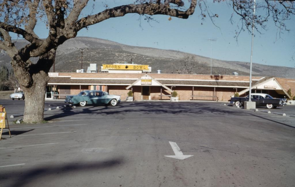 Acorn Bowl Thousand Oaks in the early 1960s (Photo Credit: City of Thousand Oaks Library, Pat Allen Slide Collection - Thousand Oaks Boulevard Survey)