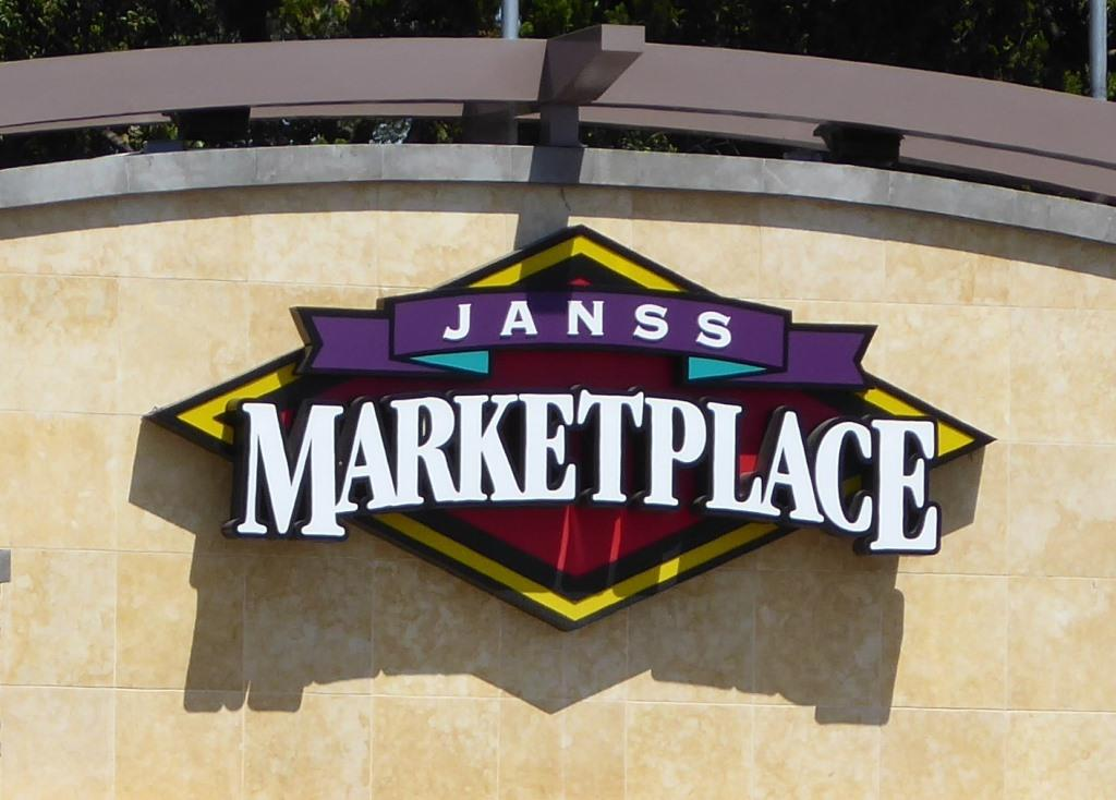 Janss Marketplace in Thousand Oaks