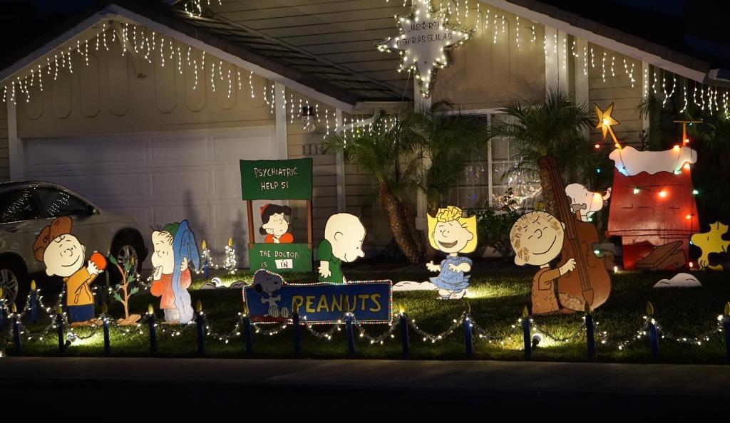 Camarillo Christmas Tree Lighting 2021 Christmas Residential Holiday Light Display On Gemini Waverly In Camarillo Conejo Valley Guide Conejo Valley Events