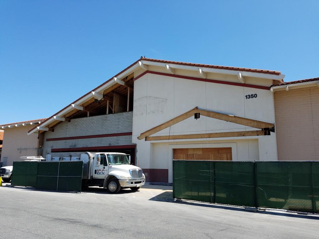 The former Sport Chalet on Moorpark Road several weeks ago as it goes through transformations to become the new home of Marshalls. Kind of a sad sight, isn't it.