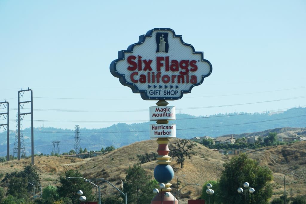 SixFlagsSign.JPG