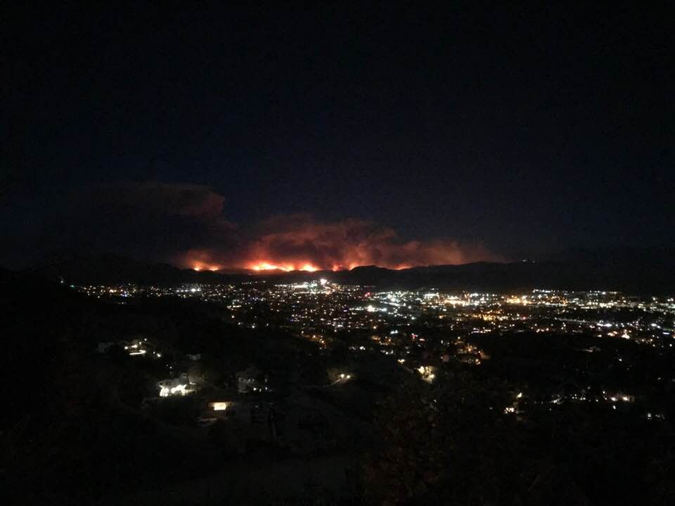 The Thomas Fire as seen from the Conejo Valley (Photo Credit: L. David Irete).