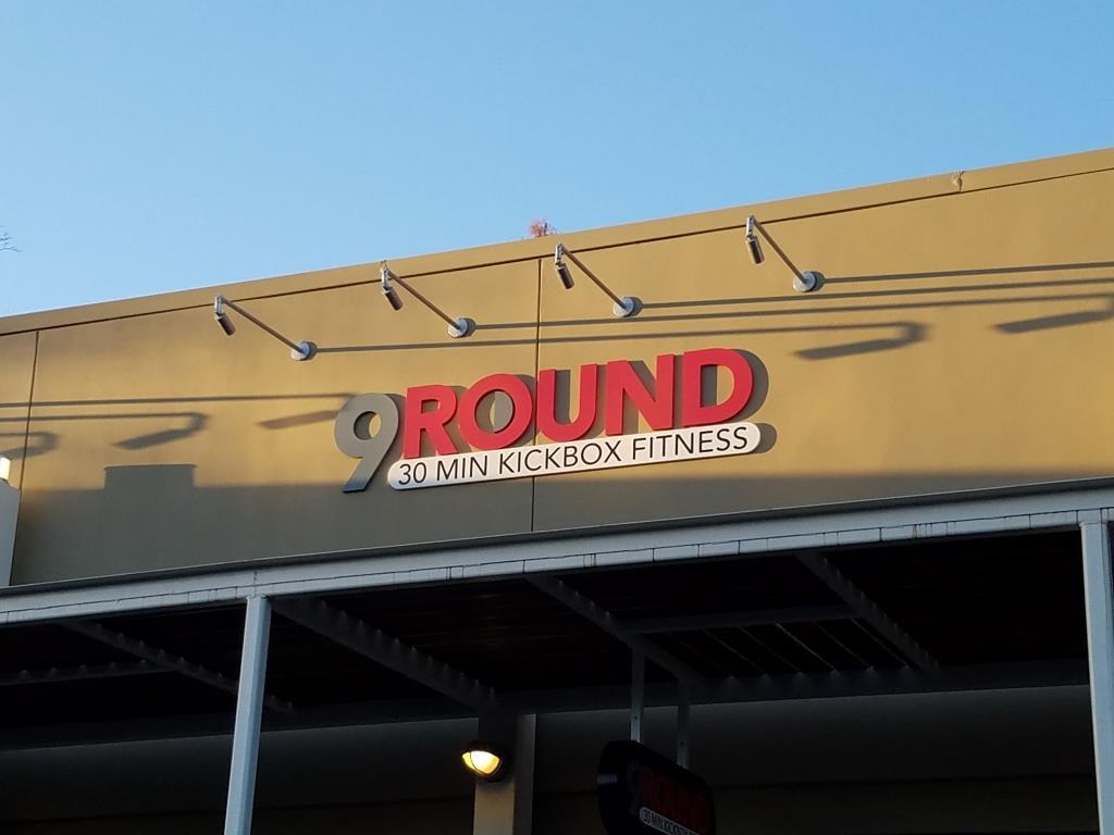 9Round.jpg