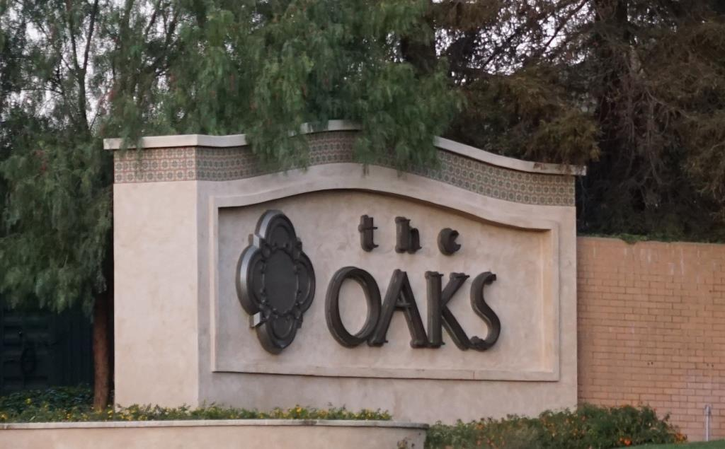 oaks mall sign.JPG