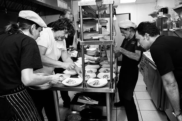 The #chainedesrotisseurs appreciate those who make magic happen behind the scenes and the skillful steady hand it takes to practice culinary arts . . . . . .  #behindthescenes #culinaryarts #inthekitchen #chef #chefsofig #foodart #foodstyling #foodphotography #gourmetfood #gastronomy #headchef #vivalachaine #bailiage #hospitality #finedining #foodphotographer #tableart #instafood #foodies #finedining #plating #cuisine