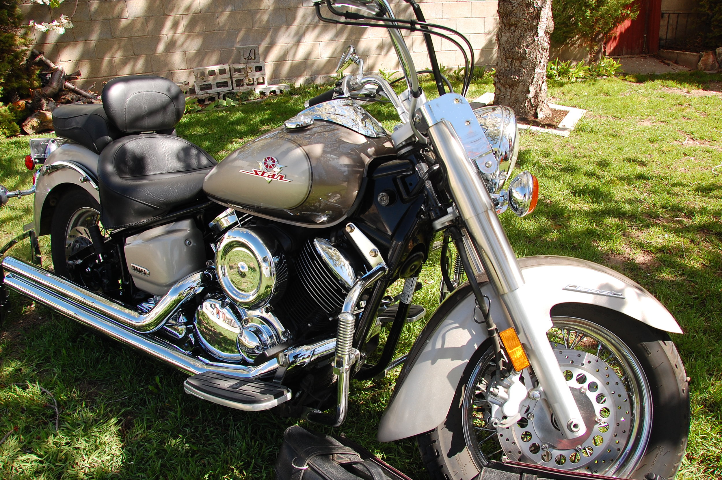 Here is my first motorcycle, with which I ruthlessly murdered many traffic cones. (Provo, Utah; Apr 2010)