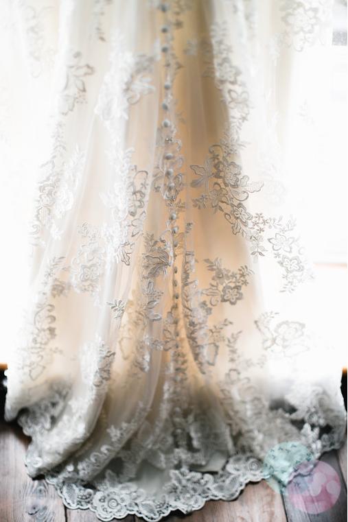 angela-and-ben-marlowe-and-ravel-photography-ivory-and-beau-wedding-planning-ivory-and-beau-bridal-boutique-savannah-wedding-planner-savannah-bridal-boutique-savannah-weddings-savannah-bridal-destination-wedding-planner-georgia-wedding-dresses-4.png