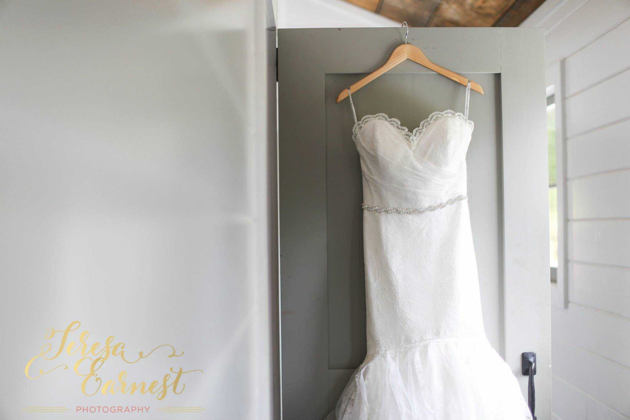 brittany-and-jon-teresa-earnest-photography-sugar-boo-farms-wedding-ivory-and-beau-bridal-boutique-savannah-wedding-dresses-savannah-bridal-boutique-ti-adora-wedding-dress-ti-adora-4500-georgia-wedding-dresses-savannah-wedding-dresses-2.jpg