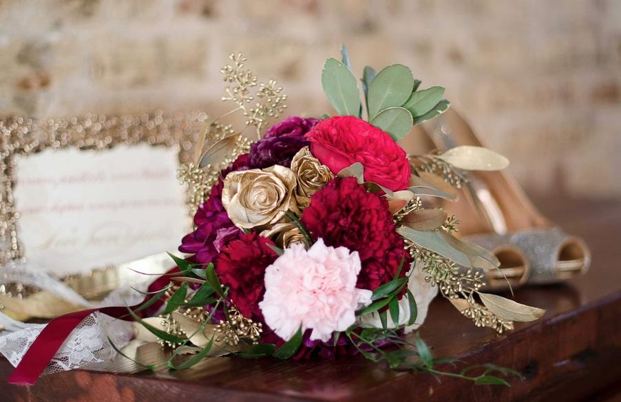 Aneris-Photography-larger-than-life-events-rebecca-schoneveld-isla-joy-wedding-dress-ivory-and-beau-bridal-boutique-savannah-wedding-dresses-charleston-wedding-dresses-savannah-bridal-charleston-bridal-marsala-wedding-charleston-weddings-magazine-1.png