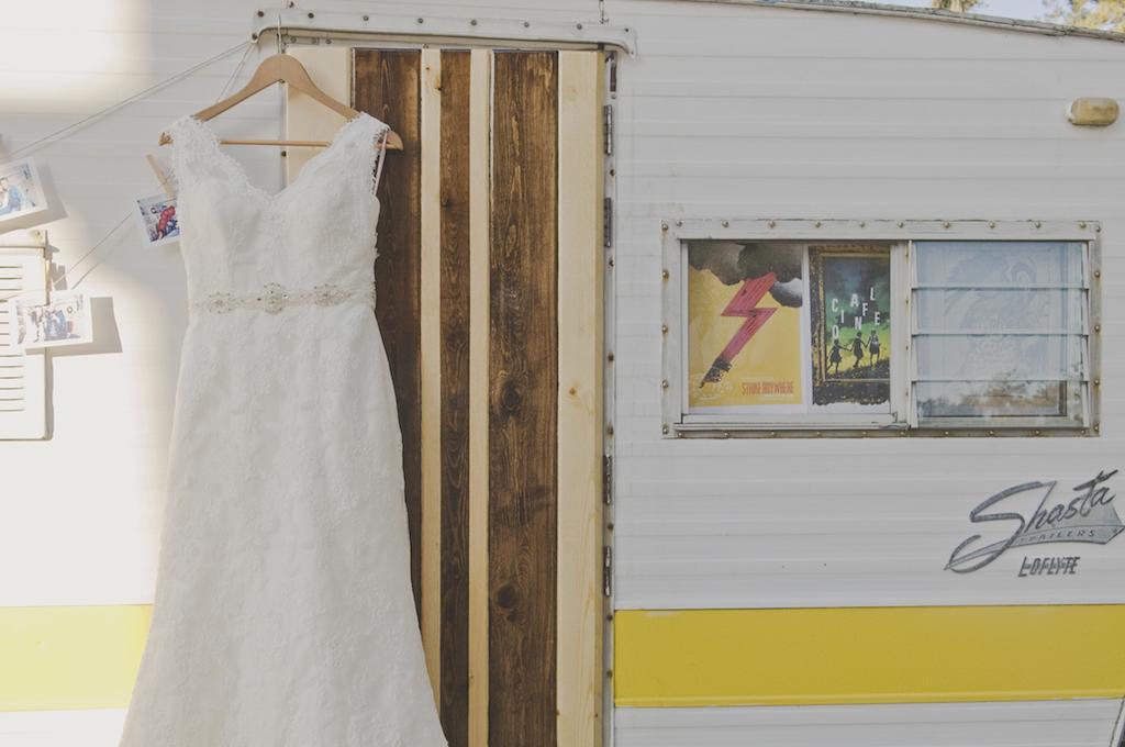 amber-and-david-ivory-and-beau-bridal-boutique-lytle-foto-savannah-wedding-dresses-savannah-wedding-planner-savannah-event-designer-savannah-weddings-wormsloe-wedding-cohens-retreat-wedding-indie-wedding-handmade-wedding-historic-7.jpg