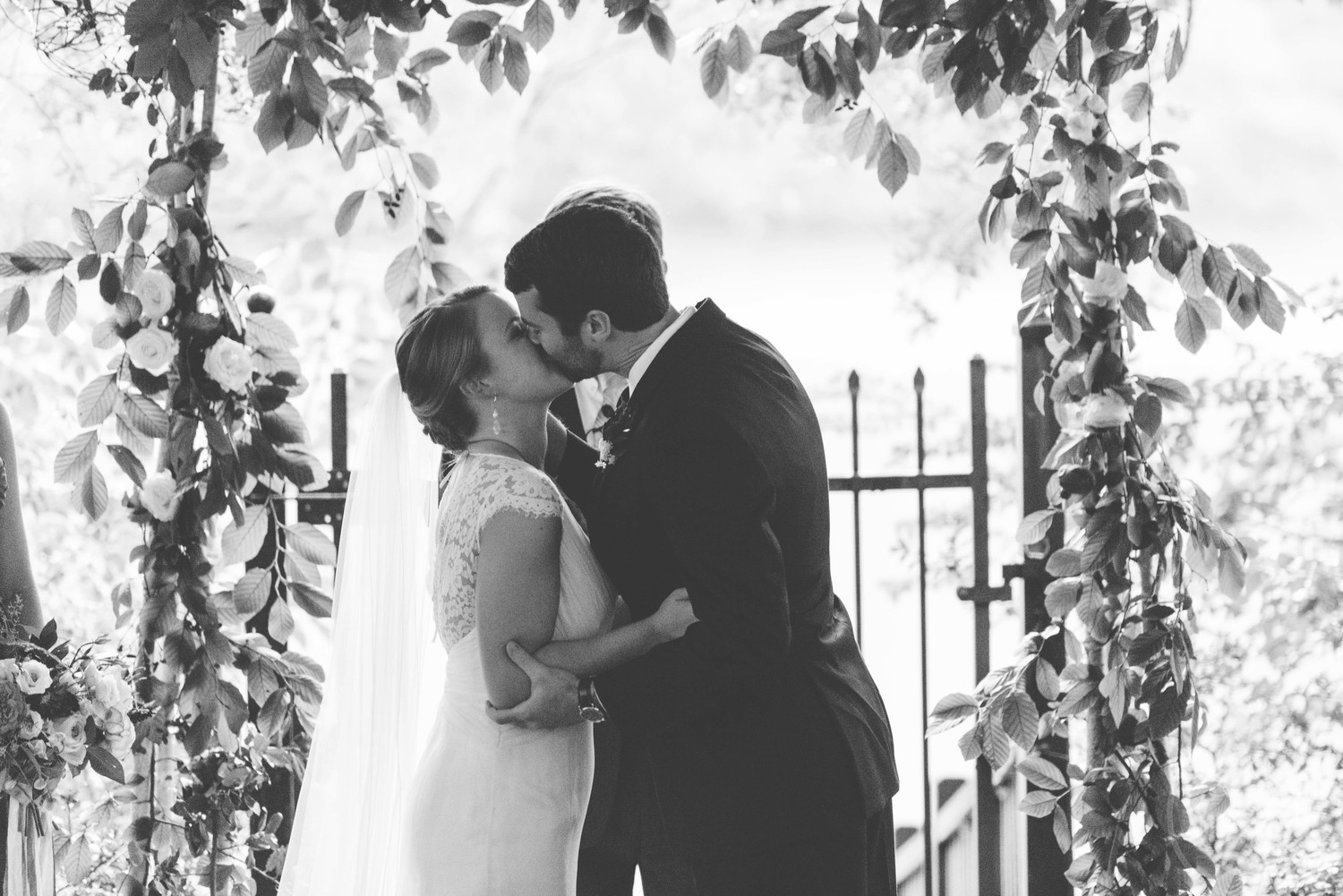 mary-claire-photography-ivory-and-beau-bridal-boutique-savannah-wedding-dresses-savannah-wedding-planner-savannah-weddings-savannah-bridal-gowns-blush-by-hayley-paige-wedding-dress-may-lace-mermaid-15.jpg