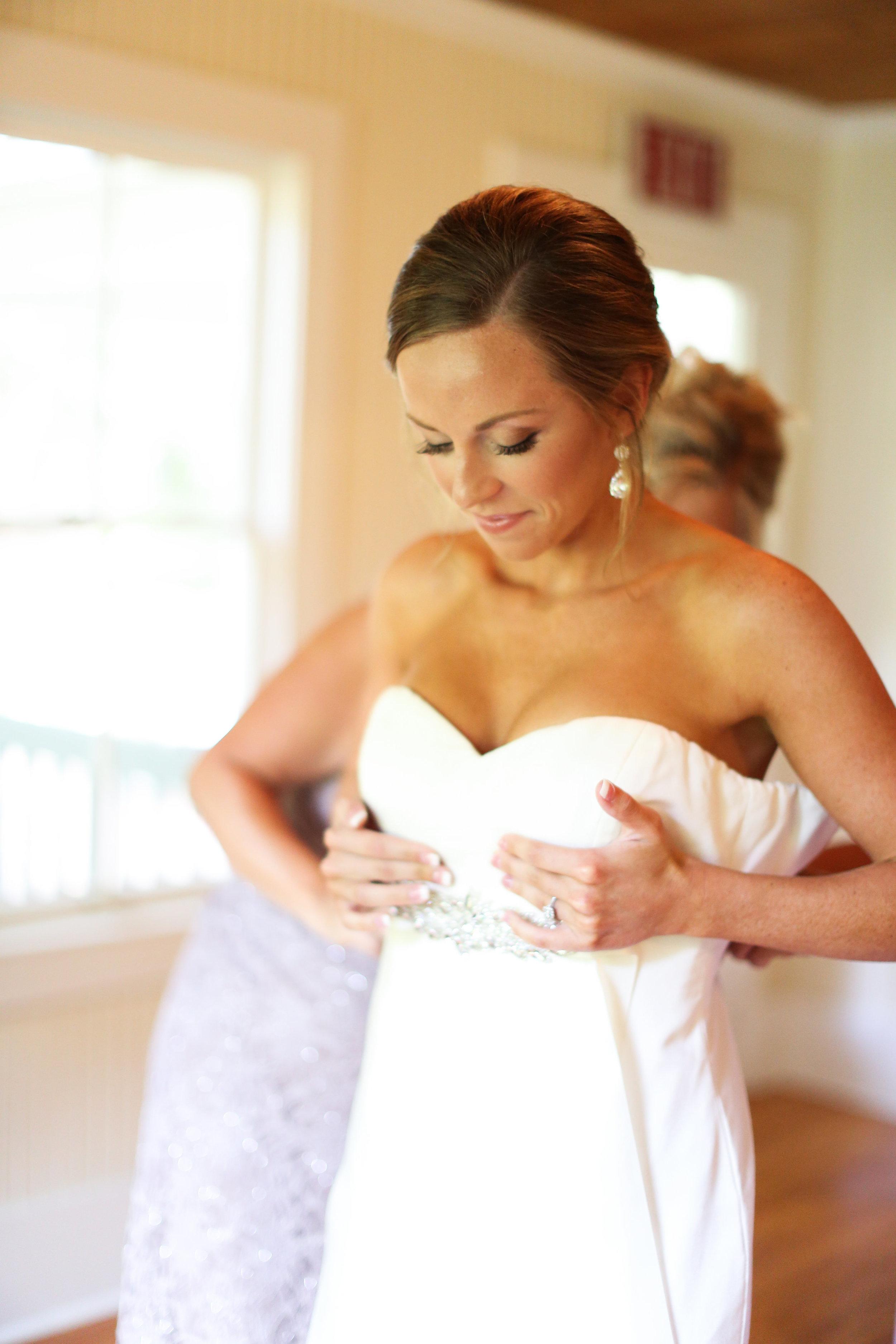 finnegan-photography-ivory-and-beau-bridal-boutique-nicole-miller-dakota-jaclyn-jordan-anne-veil-savannah-bridal-boutique-savannah-wedding-dresses-savannah-weddings-statesboro-wedding-barn-wedding-savannah-bridal-georgia-bridal-boutique-4.jpg