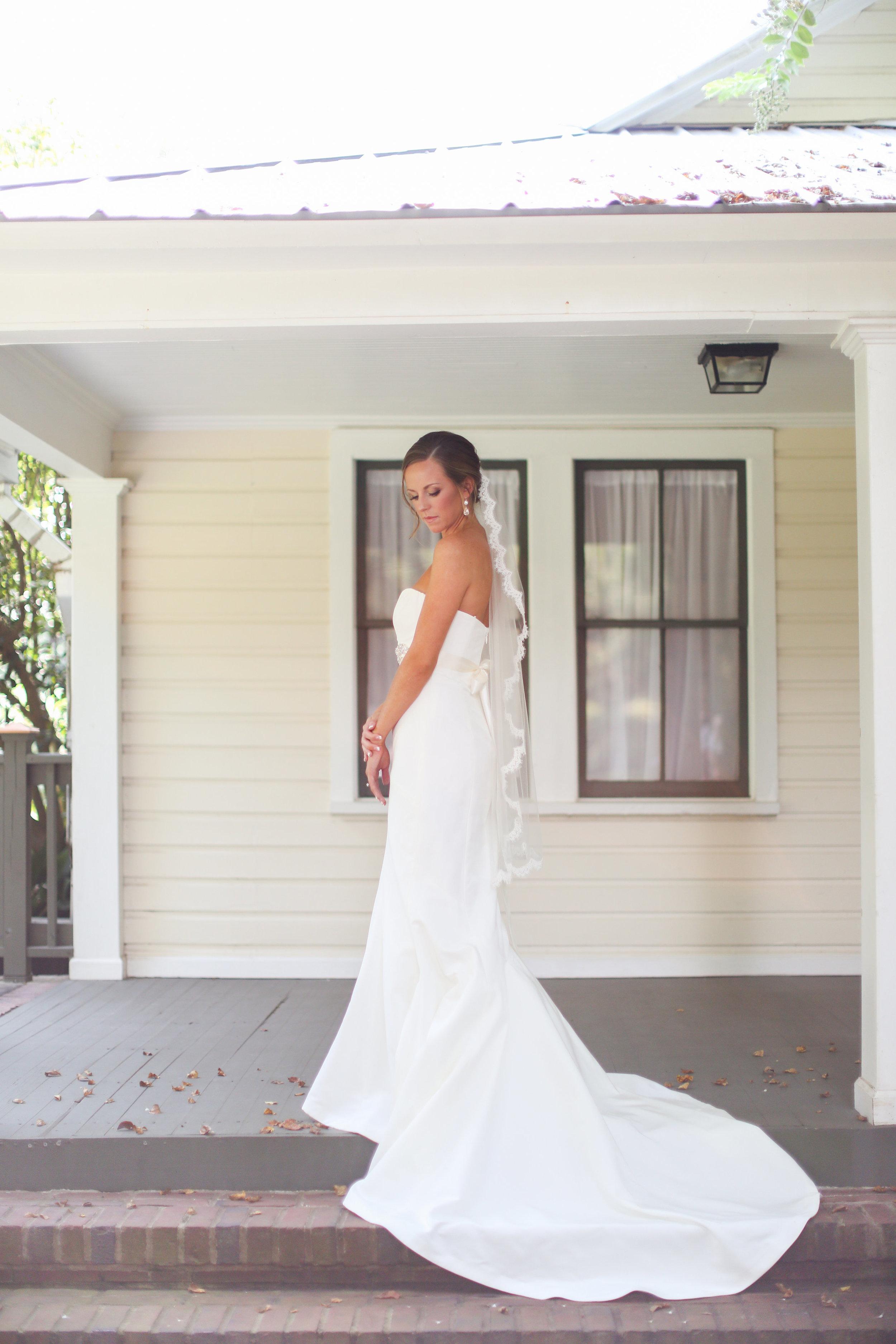 finnegan-photography-ivory-and-beau-bridal-boutique-nicole-miller-dakota-jaclyn-jordan-anne-veil-savannah-bridal-boutique-savannah-wedding-dresses-savannah-weddings-statesboro-wedding-barn-wedding-savannah-bridal-georgia-bridal-boutique-8.jpg