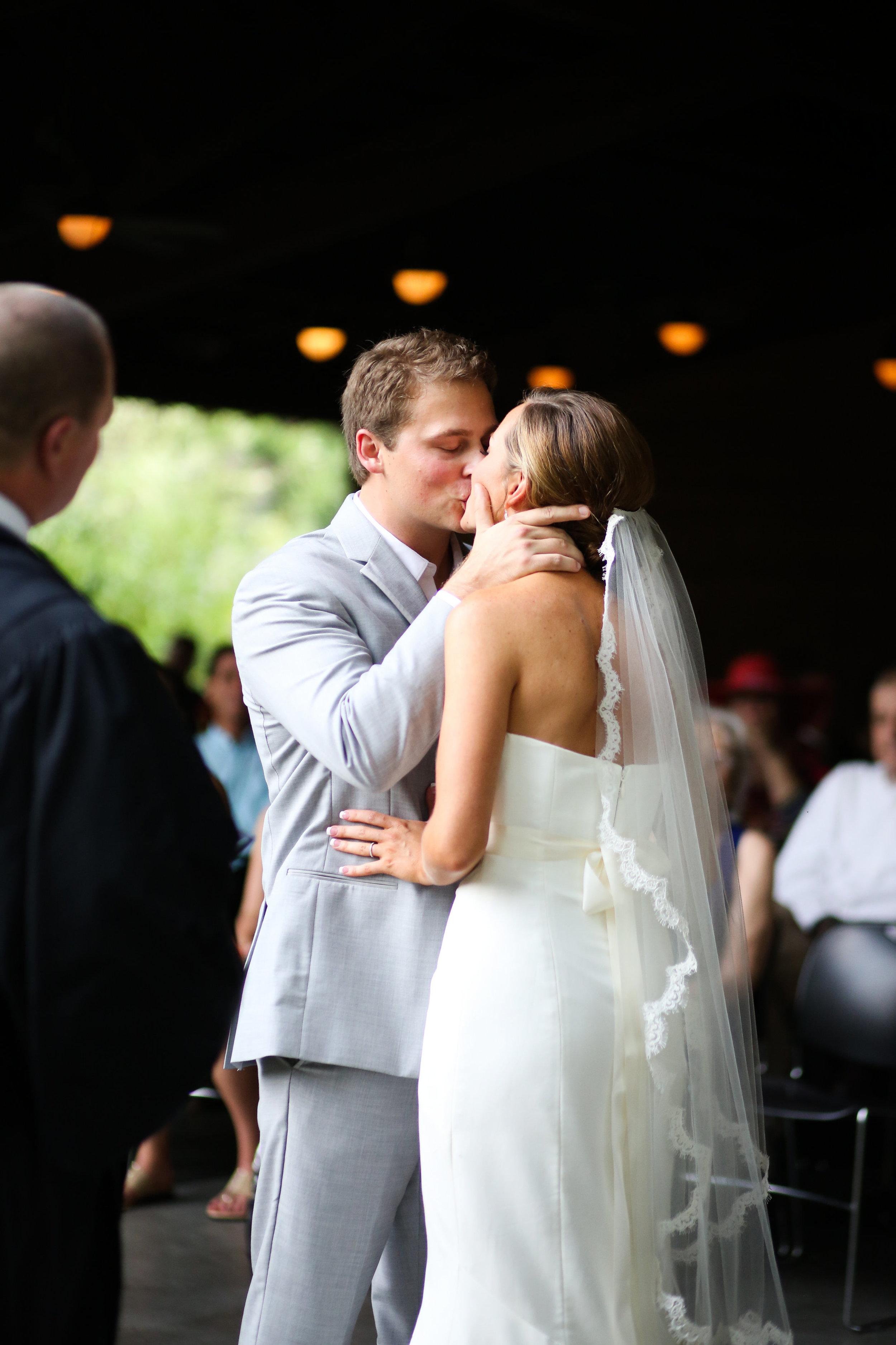 finnegan-photography-ivory-and-beau-bridal-boutique-nicole-miller-dakota-jaclyn-jordan-anne-veil-savannah-bridal-boutique-savannah-wedding-dresses-savannah-weddings-statesboro-wedding-barn-wedding-savannah-bridal-georgia-bridal-boutique-15.jpg