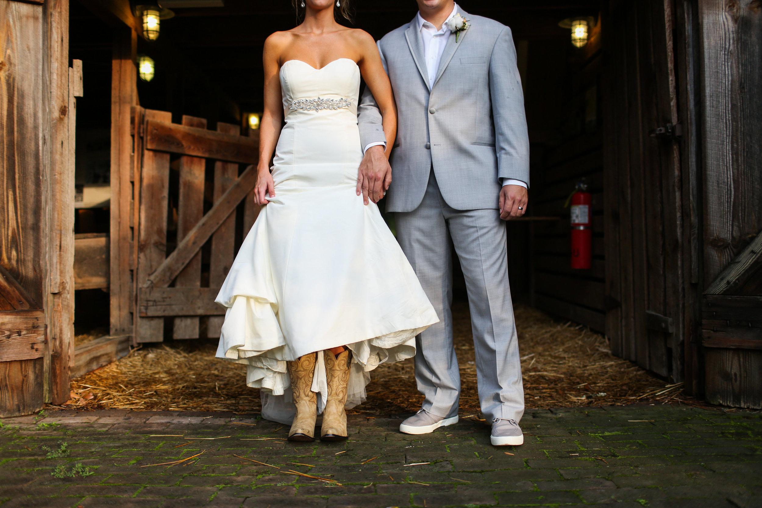finnegan-photography-ivory-and-beau-bridal-boutique-nicole-miller-dakota-jaclyn-jordan-anne-veil-savannah-bridal-boutique-savannah-wedding-dresses-savannah-weddings-statesboro-wedding-barn-wedding-savannah-bridal-georgia-bridal-boutique-17.jpg