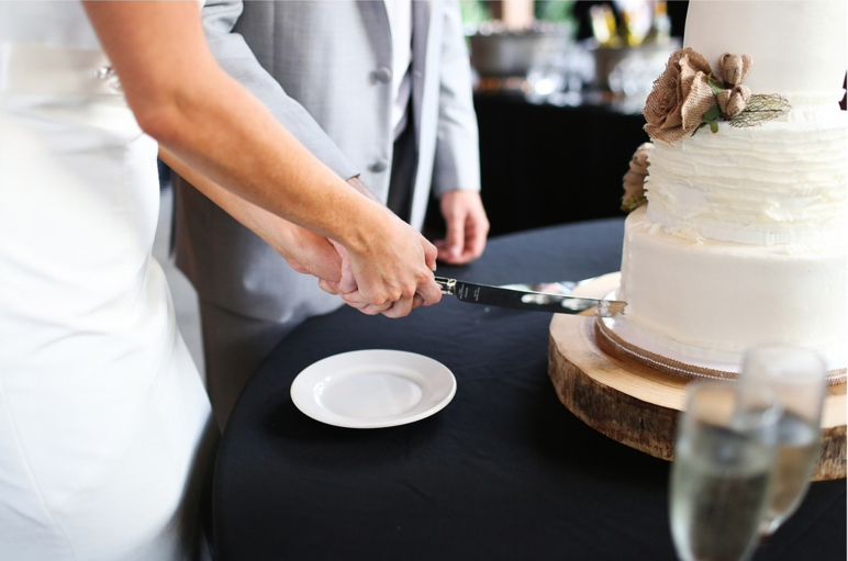 finnegan-photography-ivory-and-beau-bridal-boutique-nicole-miller-dakota-jaclyn-jordan-anne-veil-savannah-bridal-boutique-savannah-wedding-dresses-savannah-weddings-statesboro-wedding-barn-wedding-savannah-bridal-georgia-bridal-boutique-21.png