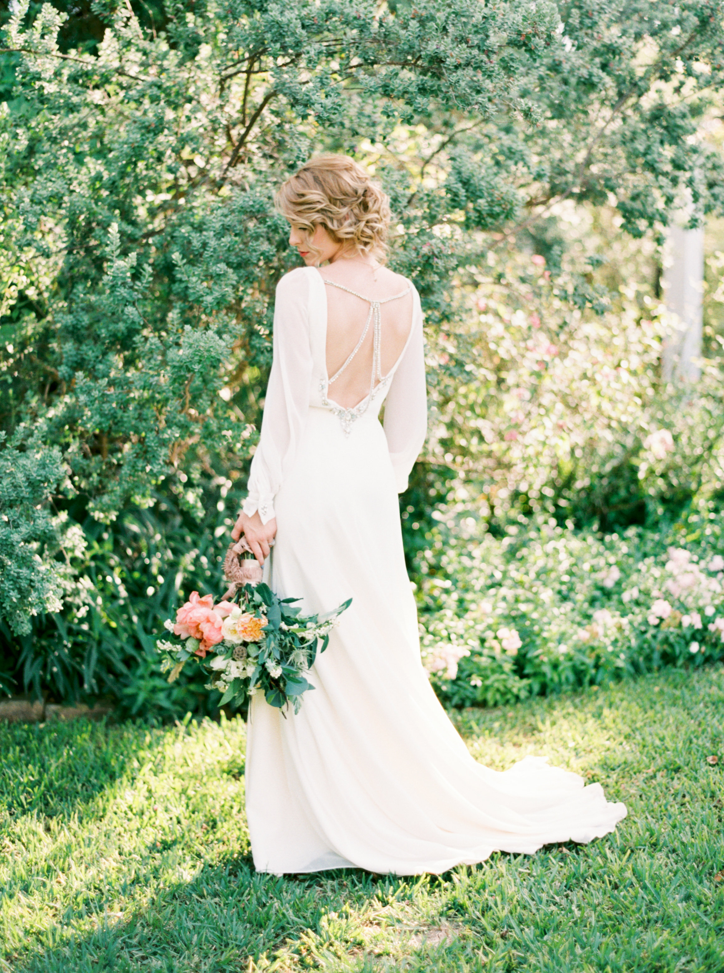 Shalyn-Nelson-photography-ivory-and-beau-bridal-boutique-ivory-and-beau-wedding-planning-barr-mansion-blush-by-hayley-paige-vienna-sweet-magnolia-floral-austin-texas-wedding-savannah-wedding-savannah-bridal-boutique-savannah-weddings-5.jpg