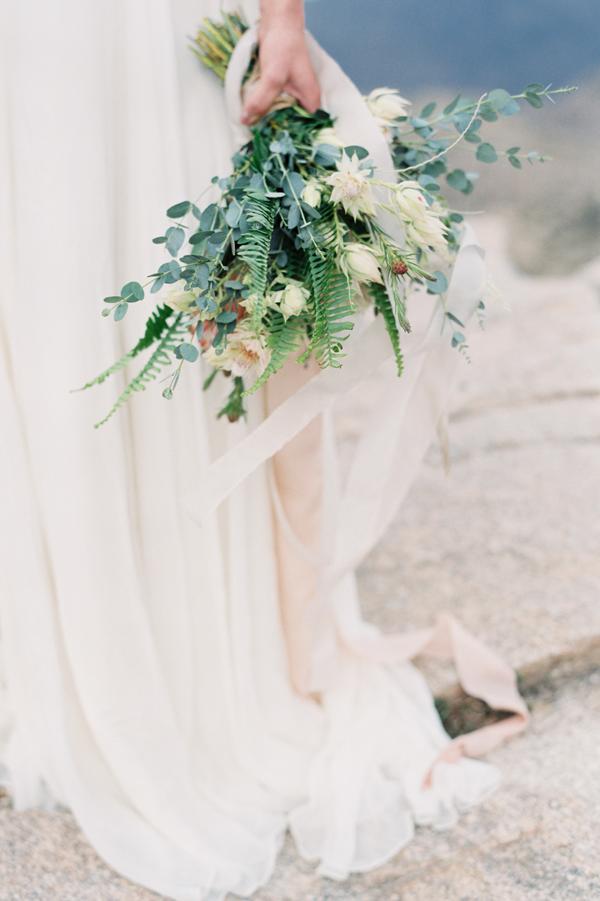 natural-fern-wedding-bouquet2.png