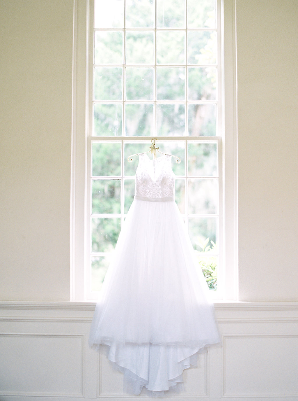 the-happy-bloom-photography-ivory-and-beau-wedding-planning-ivory-and-beau-bridal-boutique-whitfield-chapel-wedding-10-downing-wedding-savannah-wedding-historic-savannah-wedding-savannah-wedding-planner-savannah-weddings-a-to-zinnias-1.jpg